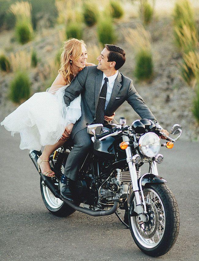 Love this Wedding Photo Idea - SO cUte!