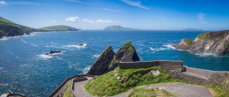 La Kerry Way est un circuit de randonnée situé dans le comté du Kerry en Irlande. Long de 214 kilomètres, il propose aux marcheurs de faire une boucle lui permettant de découvrir les beautés de l'Anneau du Kerry.