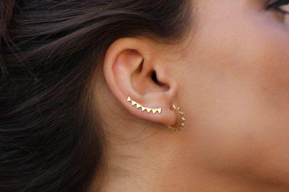 Hey, I found this really awesome Etsy listing at https://www.etsy.com/uk/listing/244876472/triangle-ear-cuff-minimalist-ear