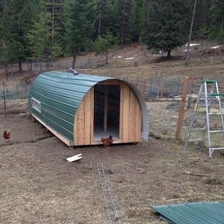 Building a Hoop Coop - Homesteading and Livestock - MOTHER EARTH NEWS,some good ideas,the vinyl floor might work really well