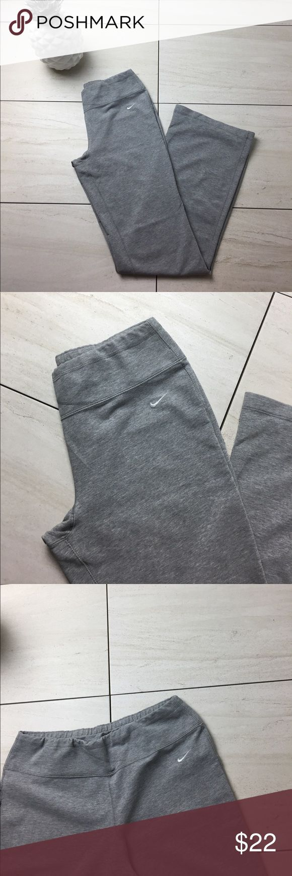 Women's Nike Fit Dry Grey yoga  Pants Medium ✨ Women's Nike Fit Dry Grey yoga  Pants in great condition. Like new. Look very nice on. Women's size medium. 8-10. Nike Pants Leggings