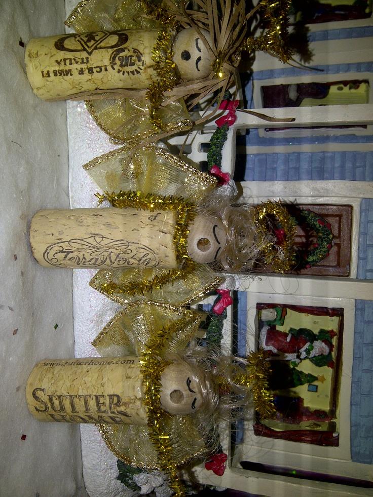 Wine cork angels cork designs pinterest cork for Cork art ideas