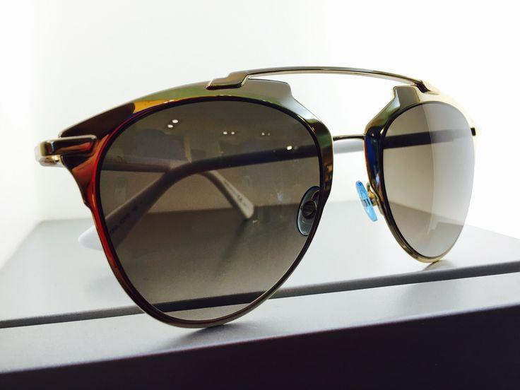dedicato a voi donne...oggi in #vetrina c'è #DIOR!  Se cerchi #occhiali da vista e occhiali da sole non convenzionali a #pesaro e #montecchio...la risposta è #otticaventuri!