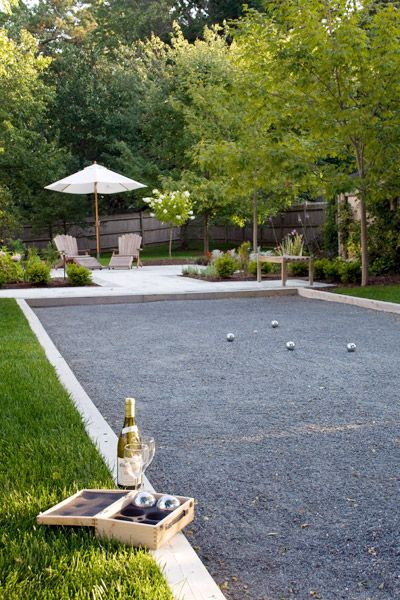 Maybe I should do this in my side yard since grass won't grow... Bocce/Pétanque Court. This would be a great addition to the backyard.