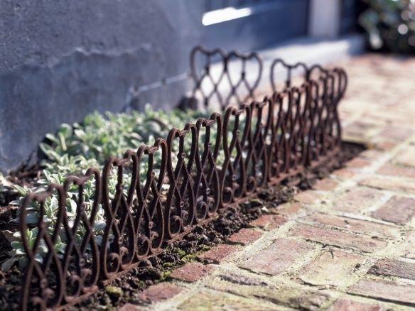 Hardscaping 101: Metal Landscape Edging - Gardenista