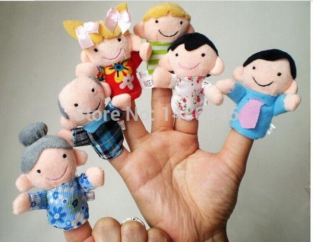 O Envio gratuito de brinquedo fantoche fantoches de mão baratos 6 pcs Família Fantoche de Dedo Dizendo Bonecas Para Crianças fantoche de mão de Pelúcia menino