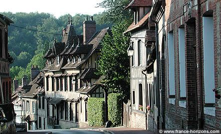 a French day out - Sharon Santoni: Idea, French Country Homes, Green Countryside, Colors A French, Beautiful Countryside, Beautiful Green, Places, French Village, Colorfully A French
