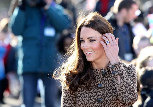 Kate Middleton Photo - Kate Middleton Visits Rose Hill School 7