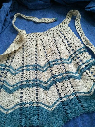 vintage crochet apron - I have one made in a pattern similar to this - my grandma & great-aunts all made them!