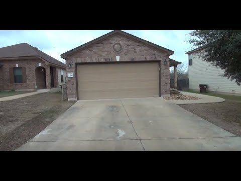#SanAntonio House for Rent: 3BR/2BA Address: 1006 Sundance Hunt, San Antonio, TX 78245 Brought to you by the industry leader in #SanAntonioPropertyManagement -- #LibertyManagementInc #RealEstate #PropertyManagement #VirtuallyinCredible
