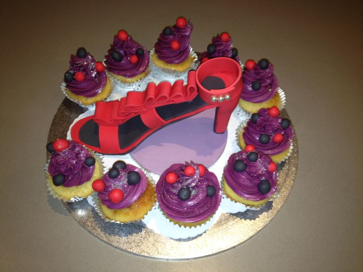 Cupcakes and Fondant Stilletto