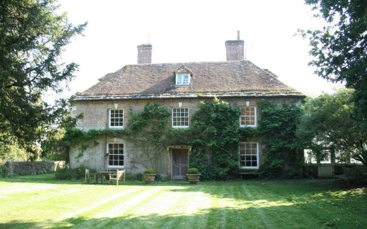 Affpuddle, Dorset English country house   Absolutely love this!
