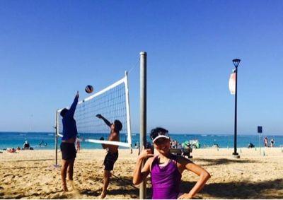 さとうあつこのハワイ不動産: ビーチバレー楽しいです