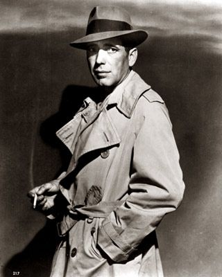 Humphrey Bogart, a man and his trench, Cassablanca