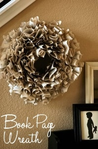 Amanda...: Ideas, Paper Wreaths, Books Pages Wreaths, Book Page Wreath, Book Pages, Books Wreaths, Diy, Crafts, Old Books