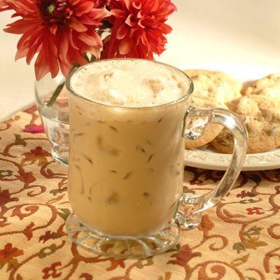 Café Latte Helado – Un refrescante gustito que se prepara en tan solo 1 minuto. ¡Qué lo disfrutes!