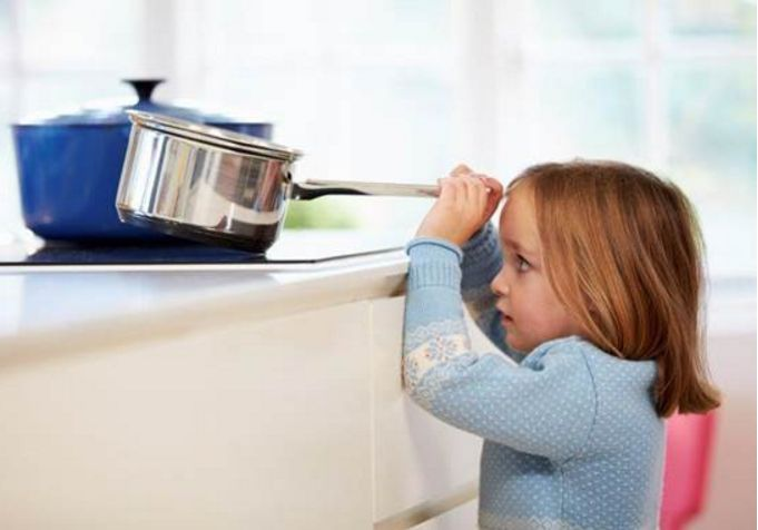 Fire and burn injuries are the third leading cause of accidental home injury deaths. Here are 10 ways to prevent burns in one of the most common places in your home, the kitchen. #BurnPrevent #HomeBurnInjuries #PUC