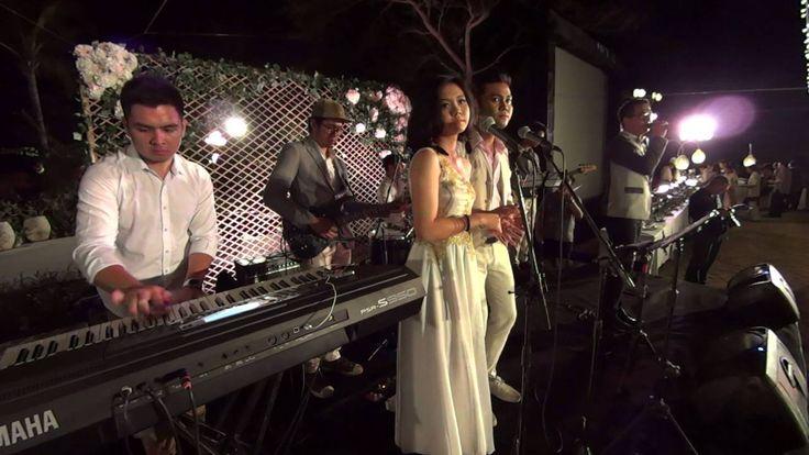GLO Band with DELON THAMRIN at SKY Ayana - YouTube