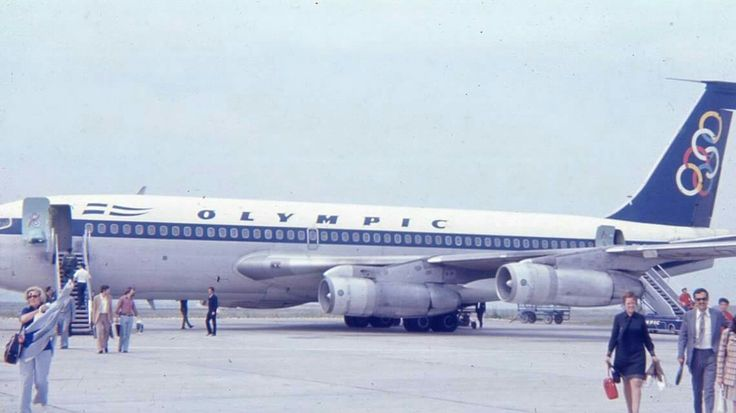 Olympic Airways B707 passengers arriving in Athens 1968