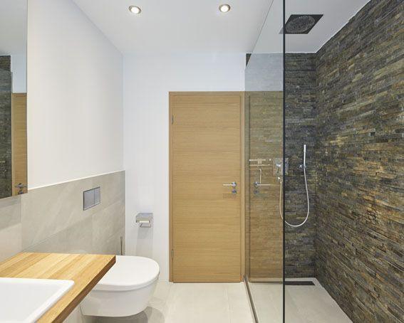 Badezimmer Dusche Glaswand Modern Toilette Steinwand Holztur Waschbecken Foto Philip Kistner Badezimmer Im Erdgeschoss Badezimmerideen Badezimmer