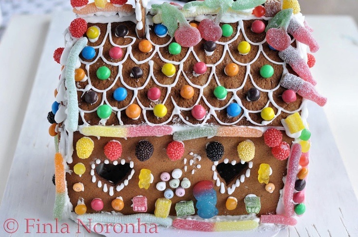 My Kitchen Treasures: Ginger Bread House