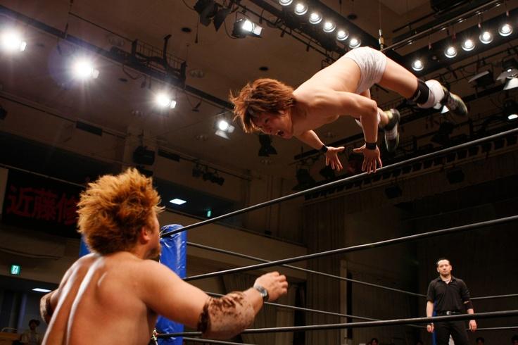 Pro-Wrestling PHOTO BY MAKOTO TSURUTA