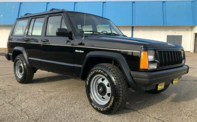 Survivor Driver 1995 Jeep Cherokee In 2020 Jeep Cherokee Jeep