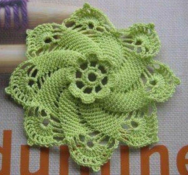 Knitted Sachet Pattern : Sachets Senteur - Fleurs et Applications au Crochet ...