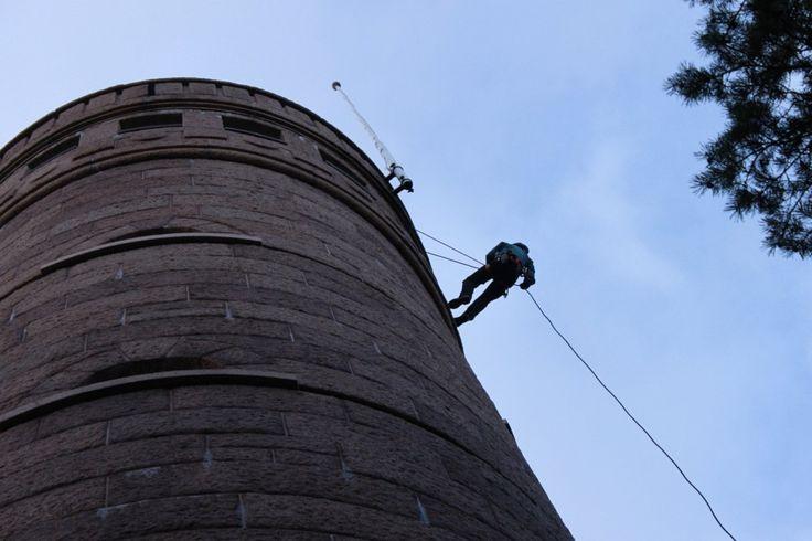 Pyynikin näkötornin haltuunotto uudella tapaa - laskeutumalla köydellä alas. Huikeaa!