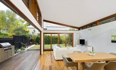 Designed by All Australian Architecture, the Ranu House in Manly, Sydney is a 185 m2 extension to a 1930s two-story bungalow. The renovation ripped and gutted the interior and exterior walls creating a more engaging relationship with the landscape.