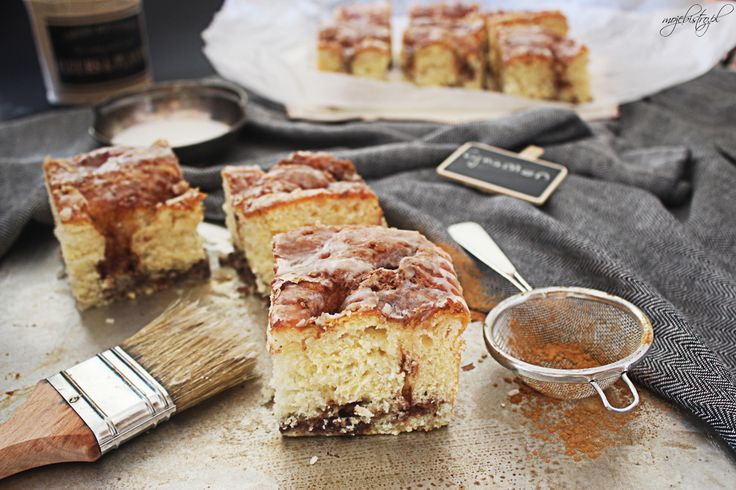 Nakłuwane ciasto drożdżowe cinnamon roll