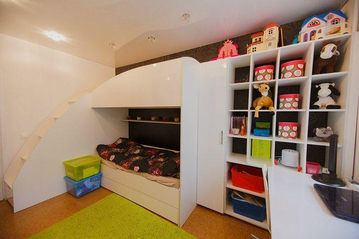 Набор современной мебели в детскую комнату