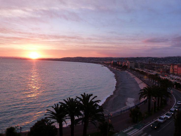 Coucher de soleil sur la Baie des Anges, Nice, Côte d'Azur, France