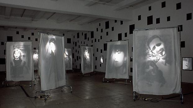 <B> Reflexion </ b>, 2000 Imagen