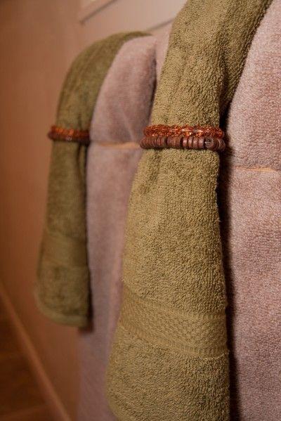 ways to display bathroom towels | Jazz up your bathroom ...