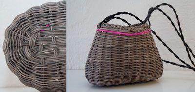 Shoulder bag in pink plastic