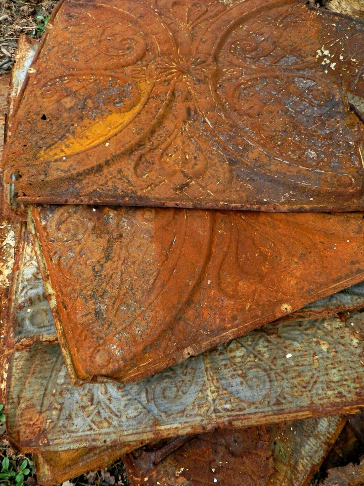 Old Rusty Tin Can On Wood Floor Stock Images - Image: 35717774 |Rusty Tin