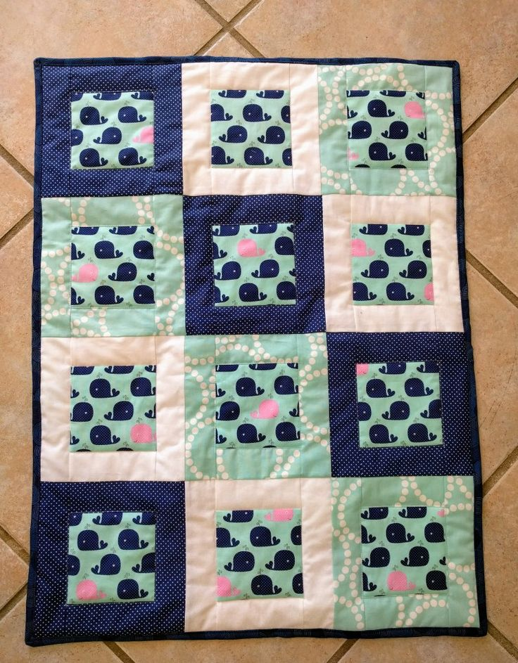 Baby quilt. Cute whales.