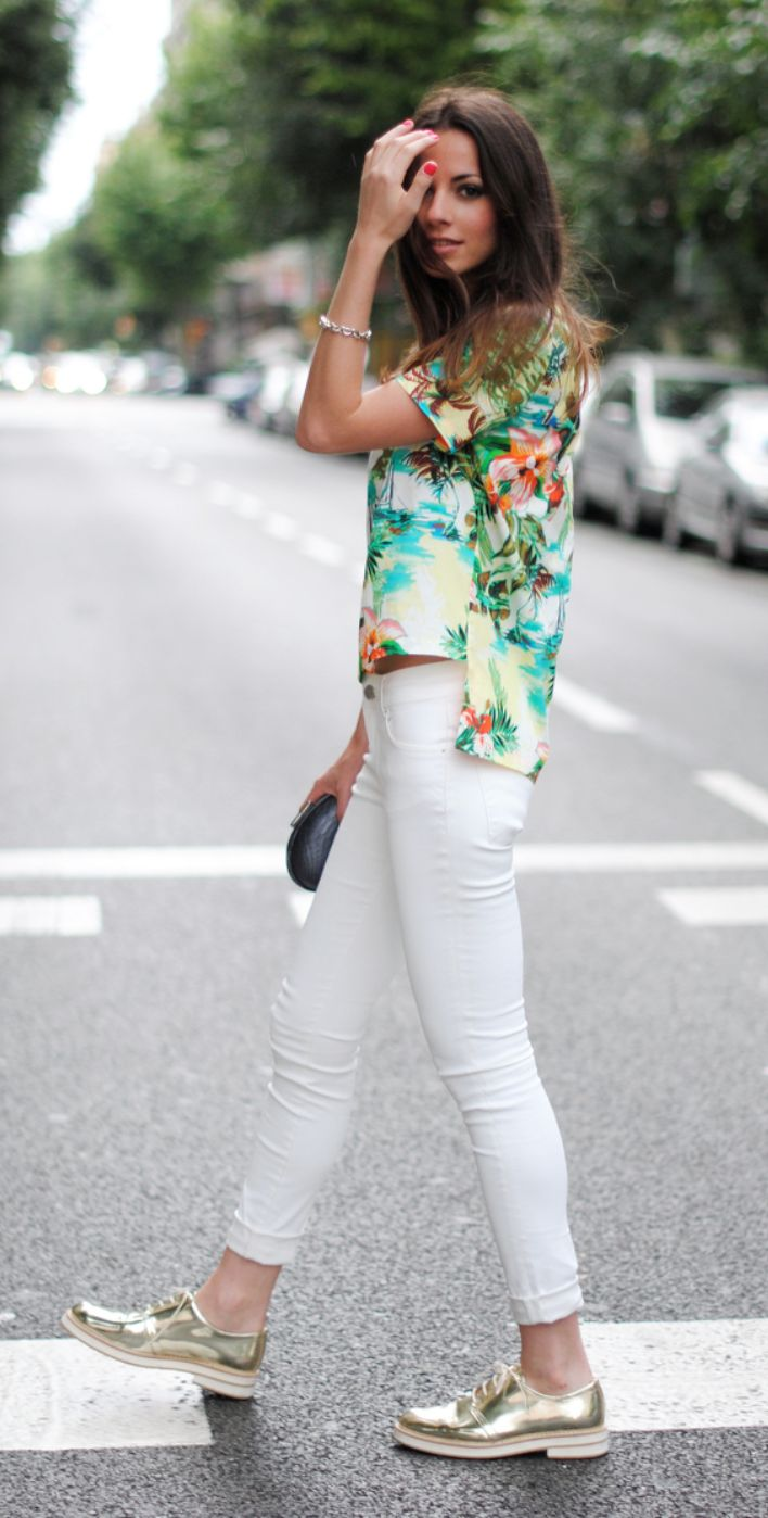 plain hawaiian outfits with jeans shoes