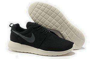 chaussures nike roshe run id homme (noir/blanc/gris logo) pas cher en ligne.