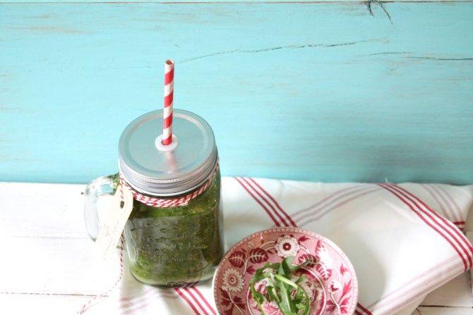 #Smoothies niet gezonder  In groentesap zitten minder vezels dan wanneer je de groenten als een #Salade eet.