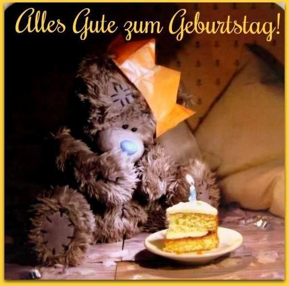 Teddybären mit einem Stück Kuchen: Alles Gute zum Geburtstag!