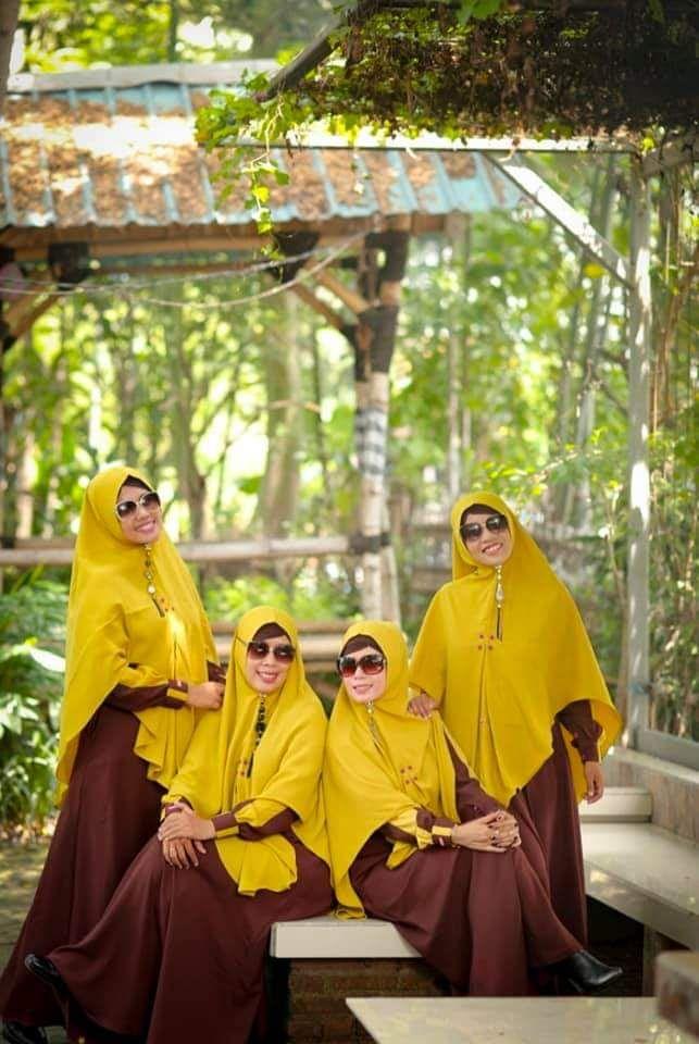Baju Warna Kuning Cocok Dengan Warna Apa