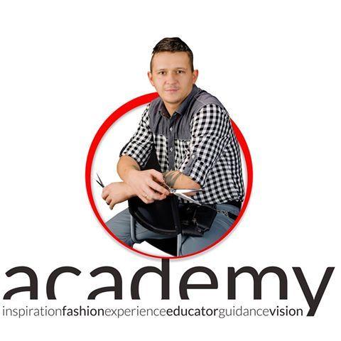 Szkoleniowiec Szymon Biolik więcej na: https://www.facebook.com/accademiatychy/photos/a.413169785517623.1073741830.411640689003866/421543314680270/?type=1&theater
