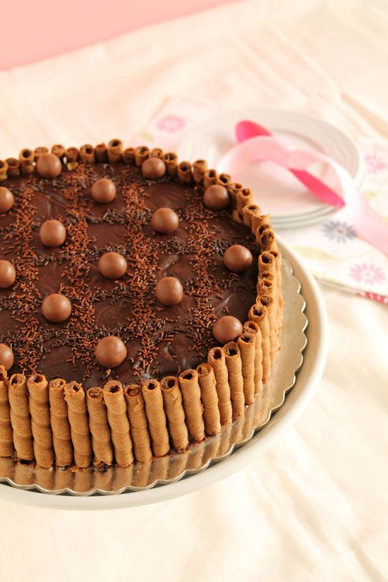 Easy cake with maltesers