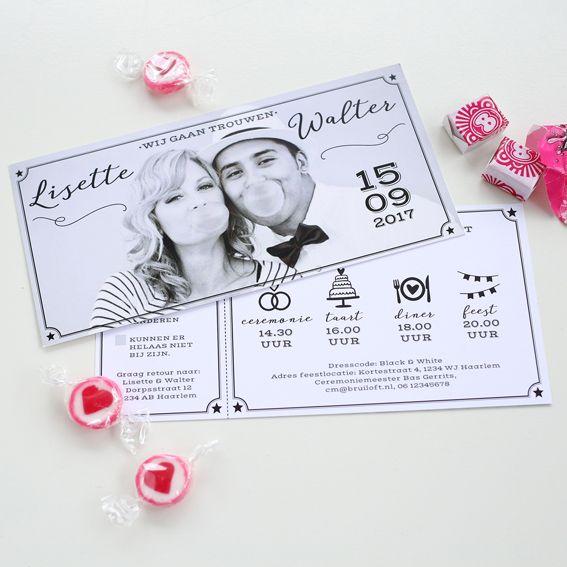 Trouwkaart - Fotokaart Zwart-Wit Ticket met RSVP