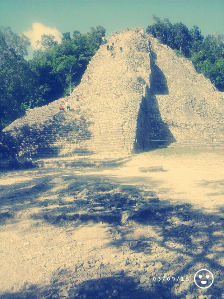 Grande pirâmide de Cobá - México city.