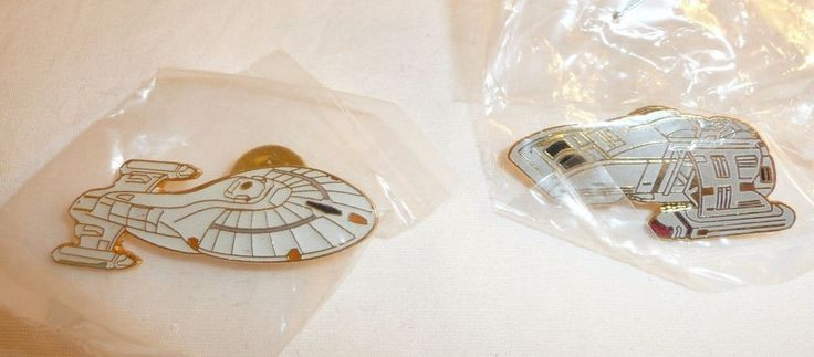 Lot of 2 Star Trek Ship Pins - VOYAGER and DS9 RUNABOUT - New