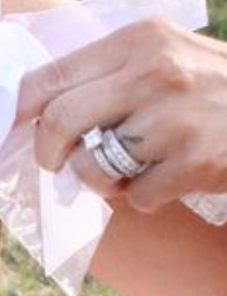 Caroline Bryan's wedding finger tattoo!!