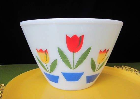 Anchor Hocking Fire-King Tulips Mixing Bowl Vintage Ivory